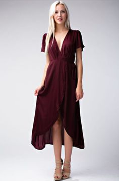 Come Together Burgundy Midi Wrap Dress - Burgundy Wrap Dress. This Burgundy Midi Wrap Dress will be your favorite for seasons to come. Short sleeves, plunging V-neckline and wrap dress bodice with side tie. Source by bohopink - Burgundy Dress Outfit, Floral Dress Outfits, Burgundy Bridesmaid Dresses, Burgendy Dress, Burgundy Gown, Elegant Dresses, Pretty Dresses, Sexy Dresses, Casual Dresses