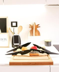 """🔪 The P R E C I S I O N Classic Knife Set includes: 1 x Paring Knife 4""""   10 cm  1 x Deba Knife 5""""   12.5 cm  1 x Chef's Knife 6""""   15 cm  1 x Bread Knife 6""""   15 cm  ✨ You will be fully equipped for your next cooking session.   ⚡️SHOP IT NOW -  • • • • • #edgeofbelgravia #precision #black  #knives #highqualityknives #goodqualityknife #knifesale #knife #knifeaddiction #knifelife #knivesofinstagram #knivesforsale #knives4sale #knifemaker #knifestagram #knivecollector #knivesdaily Chef Knife, Knife Sets, Kitchen Knives, Classic, Collection, Design, Derby, Chef Knives, Classic Books"""