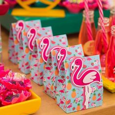Cute idea for a tropical flamenco theme party Birthday Party Games For Kids, Diy Birthday, Flamenco Party, Flamingo Illustration, Flamingo Birthday, Moana Party, Tropical Party, Party Themes, Ideas Party