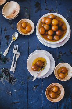 Gulab Jamun with Sweet Potatoes Brunch Cake, Salted Caramel Cake, Fried Dumplings, Diwali Food, Gulab Jamun, Happy Foods, Mashed Sweet Potatoes, Food Festival, How Sweet Eats