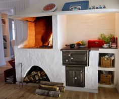Let yourself be inspired by our fireplaces and spread both warmth and well-being in your home. We help you find the right wood burning stove or wood stove. Cottage Fireplace, Stove Fireplace, Welcome To My House, Compact Living, Swedish House, Interior Garden, New House Plans, Interior Inspiration, Home Kitchens