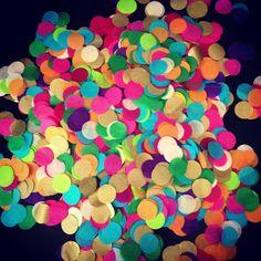 Tissue paper confetti // table decoration // party