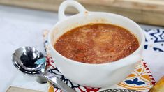 Roasted Tomato Soup - Mary Berg (Marilyn Denis)Three grilled cheese sandwiches that are better than any you've ever tried before Stovetop Mac And Cheese, Mac And Cheese Homemade, Roasted Tomato Soup, Roasted Tomatoes, Easy Delicious Recipes, Great Recipes, Soup Recipes, Cooking Recipes, Recipies