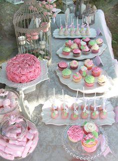 Mesa Dulce Gemma y Raúl Candy Table, Candy Buffet, Bar Deco, Sweet Corner, Gateaux Cake, Festa Party, Tea Party Birthday, Dessert Buffet, Macaron
