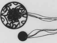 UPINANIE FIRAN I ZASŁON: Ozdoby do upinania firan i zasłon to m.in. klamry, frędzle, kokardy, a nawet magnetyczne kwiaty i ptaszki. Oferta jest bardzo szeroka. Washer Necklace, Jewelry, Jewlery, Jewerly, Schmuck, Jewels, Jewelery, Fine Jewelry, Jewel