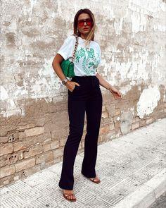 Summer Outfits, Capri Pants, Spring Summer, Instagram, Fashion, Moda, Capri Trousers, Summer Wear, Fashion Styles