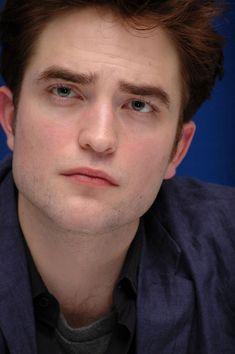 Edward Cullen Robert Pattinson, Robert Pattinson Twilight, Robert Douglas, I Robert, The Skye Boat Song, Twilight Saga New Moon, Kristen Stewart, Water For Elephants, Mackenzie Foy