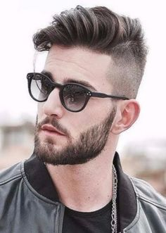 13 Popular Haircuts For Men 13 - hair style for guy - Hairstyle Ideas Great Hairstyles, Cool Haircuts, Hairstyles Haircuts, Haircuts For Men, Fringe Hairstyles, Updos Hairstyle, Ladies Hairstyles, Beautiful Hairstyles, Vintage Hairstyles