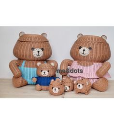 rattan bear Diy Projects To Try, Crafts To Do, Paper Crafts, Rattan Basket, Wicker, Dry Leaf Art, Paper Weaving, Cozy House, Kids Furniture