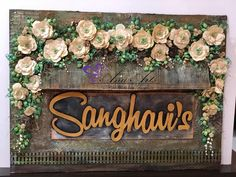 Gorgeous creation with Metallic paints from Itsy Bitsy Door Name Plates, Name Plates For Home, Diy Crafts For Home Decor, Diy Arts And Crafts, Mural Painting, Mural Art, Bottle Art, Bottle Crafts, Name Plate Design