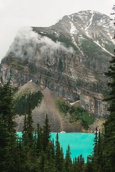 Mr and Mrs Globe Trot: Lake Louise and Lake Agnes