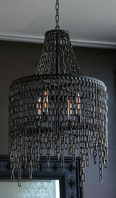 Lampara colgante de cadenas de níquel ennegrecido./ Chandelier pendant chains blackened nickel. #recycle design