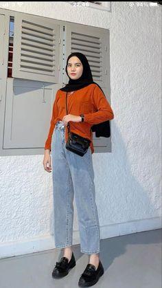 Modern Hijab Fashion, Muslim Women Fashion, Hijab Fashion Inspiration, Casual Hijab Outfit, Ootd Hijab, Casual Outfits, Fashion Outfits, Simple Outfits, Pose