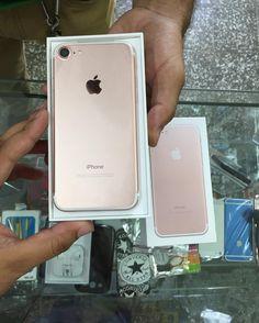 Cliente Satisfecho recibiendo lo último de lo muñequitos  iPhone 7 Gold Rose  Gracias por preferirnos!  Aun quedan disponible negro mate y gold