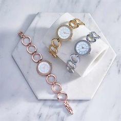 Ρολόι Valentina. Avon, Bracelet Watch, Watches, Bracelets, Accessories, Fashion, Moda, Wristwatches, Fashion Styles