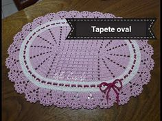 Tapete Oval Bico Russo de Crochê - Artes da Desi - YouTube Crochet Table Mat, Toilet Paper Roll, Crochet Doilies, Beach Mat, Diy And Crafts, Outdoor Blanket, Make It Yourself, Blog, Videos