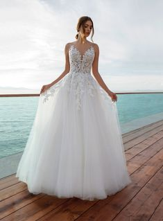 Best Wedding Dress Mexican Wedding Dress Bridal Boutiques Near Me Wedding Live Olive Green Bridesmaid Dresses - fall wedding dresses Wedding Dress Pictures, Wedding Dresses Photos, Wedding Dress Trends, Wedding Dress Styles, Dream Wedding Dresses, Bridal Dresses, Gown Wedding, Beautiful Wedding Dress, Petite Wedding Dresses