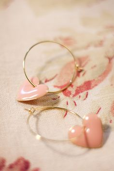 Petra Reijrink hand-crafted jewelry! Handmade Heart Pastel pink creoles gold.