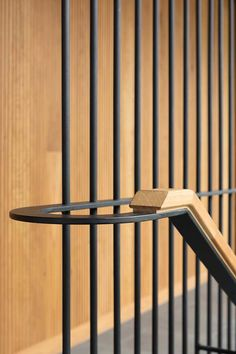 Balmoral House by CHROFI wraps around a series of integrated landscapes, a sequence of geometric volumes maximise aspect while dismantling trials of site. Stair Handrail, Staircase Railings, Modern Staircase, Stairs Architecture, Residential Architecture, Architecture Details, Architecture Images, Wooden Fence Gate, Compound Wall Design