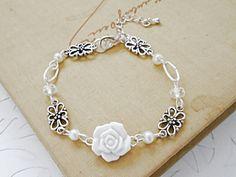Karkötő fehér rózsával, Lugosine, meska.hu wedding bracelet with white rose