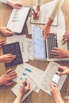 Social Media Marketing Companies, Marketing Jobs, Data Charts, Charts And Graphs, Graphic Design Templates, Psd Templates, Future Jobs, Study Inspiration, Photo Wall Collage