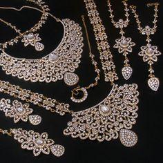 WEDDING INDIAN BRIDAL SIMULATED DIAMOND BIG STONE GOLD TONE NECKLACE EARRINGS SET