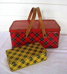 Vintage Yellow and Black Tartan Plaid Tin by Kelley Street Vintage Vintage Picnic Basket, Vintage Baskets, Vintage Tins, Picnic Baskets, Vintage Kitchen, Scottish Plaid, Scottish Tartans, Vintage Yellow, Vintage Colors
