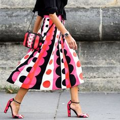 maisonvalentino@vivianavolpicella walking the walk during Paris fashion week. ( by @stylebop) The Carmen print collection is in stores now. #fallwinter14/15 #parisfashionweek #streetstyle