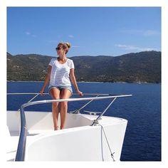 Vous vous demandez si le bateau c'est fait pour vous ? Vous êtes curieux de savoir comment ça se passe ? Les exploratrices Ornella & Caroline V. ont testé l'aventure pour vous 💦⛵️🛥⚓️😎🐬🐠 On vous donne nos 11 conseils pour voyager en bateau tranquillou ✌🏼️ Lien dans la BIO #lesexploratrices #exploringlife #travel #boat #sailing #sailinglife #yacht #worldplaces #exploremore #neverstopexploring #enjoying #holidays #travelgram #voyage #bateau #sea #catamaran #voyagerautrement #sun…
