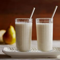 Purely Pear Smoothie Pear Smoothie, Healthy Smoothies, Healthy Drinks, Smoothie Recipes, Healthy Eating, Juice Drinks, Fun Drinks, Yummy Drinks, Beverages