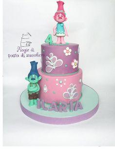 Trolls+-+Cake+by+mariana+frascella