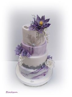 Marbled wedding cake - lilac winter wedding - The Effective Pictures We Offer You About chocolate wedding cake flavors A quality picture can t Purple Cakes, Purple Wedding Cakes, Amazing Wedding Cakes, Fall Wedding Cakes, Wedding Cakes With Flowers, Wedding Blue, Flower Cakes, Lace Wedding, Wedding Dresses