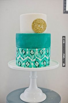 ikat love with a gold cake topper. So many cakes to see | CHECK OUT MORE IDEAS AT WEDDINGPINS.NET | #weddingcakes