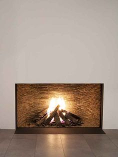 The Art of Living (BE) - Het woonplatform waar particulier en professional samenkomen Home Fireplace, Fireplace Remodel, Fireplace Design, Fireplaces, Art Of Living, Home Living Room, Living Room Decor, Pinterest Home, Interior Decorating