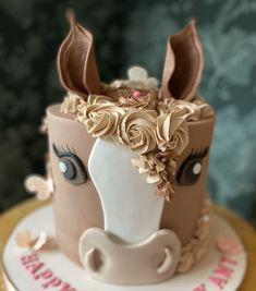 Pretty Cakes, Cute Cakes, Beautiful Cakes, Amazing Cakes, Horse Birthday Parties, Cool Birthday Cakes, Horse Birthday Cakes, Farm Cake, Horse Cake