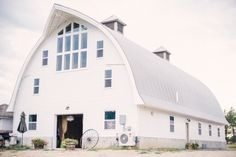 Envision your event by a pristine lake surrounded by thick woods and rolling fields in a rustic but elegant barn.