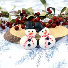 Polymer clay earrings Christmas Snowman, Christmas Stuff, Christmas Ornaments, Polymer Clay Art, Polymer Clay Earrings, Ceramic Poppies, Remembrance Day Poppy, Funny Snowman, Artist At Work