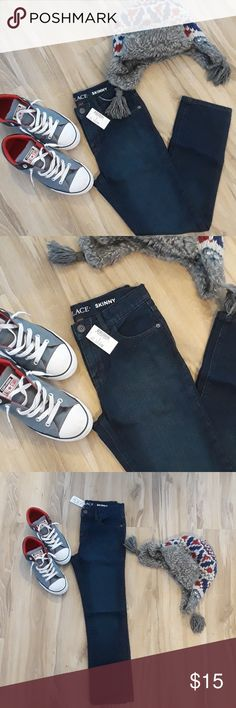 NWT Boys Jeans Brand new with tags. Skinny jeans. Check out my other listings bundle and save! 😉 Children's Place Bottoms Jeans