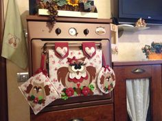 Interesting ideas for decor: The idea for the kitchen. Quilting Projects, Sewing Projects, Craft Projects, Projects To Try, Applique Patterns, Applique Designs, Halloween 2, Dish Towels, Decoupage