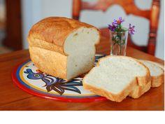Tri razloga da izbacite beli hleb iz ishrane Mnogima je nezamislivo da dnevno ne pojedu barem jedan komadić hleba. Ipak, koliko god bili naviknuti na tu namirnicu, ovo su 3 razloga zbog kojih biste beli hleb trebali izbaciti iz ishrane…