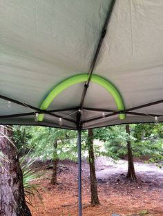 Ah, the art of glamping. Combining chic ideas with the outdoors, glamping is a way to have fun and be comfortable. Not quite camping yet not quite a s. Diy Camping, Camping Hacks With Kids, Zelt Camping, Camping In The Rain, Camping Glamping, Camping Survival, Family Camping, Camping Gear, Outdoor Camping