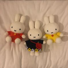 Softies, Plushies, Inspiration Artistique, Miffy, Cute Plush, White Aesthetic, Sanrio, Aesthetic Pictures, Hello Kitty