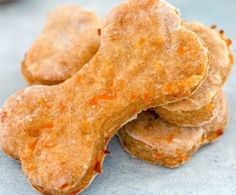 Apple Carrot Biscuits – Paws Give Me Purpose Puppy Treats, Diy Dog Treats, Healthy Dog Treats, Dog Biscuit Recipes, Dog Treat Recipes, Dog Food Recipes, Dog Cookie Recipes, Homemade Dog Cookies, Homemade Dog Food