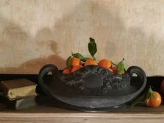 Black giardiniera with fruits gamanacasa Own Home, Tray, Fruit, Chic, Interior, Black, Home Decor, Log Burner, Shabby Chic