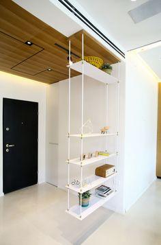 meubles de rangement originaux- étagère blanche suspendue du plafond Küchen Design, House Design, Diy Furniture, Furniture Design, Armoire Design, Business Office Decor, Appartement Design, Iron Shelf, Condo Living