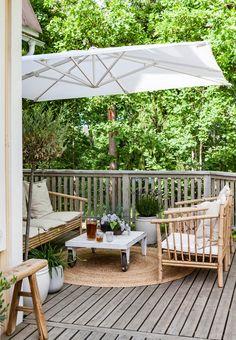 Esittelemme kaikki laattojen ladontamallit | Meillä kotona Porch Swing, Outdoor Furniture, Outdoor Decor, Pop Up, Deck, Cottage, Patio, Home Decor, Decoration Home