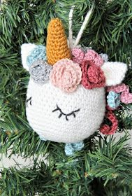 ideas crochet unicorn pattern free pillow for 2019 Crochet Unicorn Pattern Free, Crochet Shoes Pattern, Crochet Dolls Free Patterns, Crochet Christmas Hats, Christmas Crafts, Crochet Lace Scarf, Unicorn Ornaments, Crochet Gifts, Diy Crochet