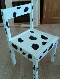 Cute cow print chair :)