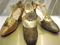 three dressy pumps to chose from Vintage Love, Vintage Shoes, 1920 Shoes, Recycled Shoes, 20s Outfits, Ballet Shoes, Dance Shoes, Pretty Shoes, Pumps
