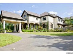 #SouthCharlotte home where the current season of the Bachelorette was filmed!  $5,899,900
